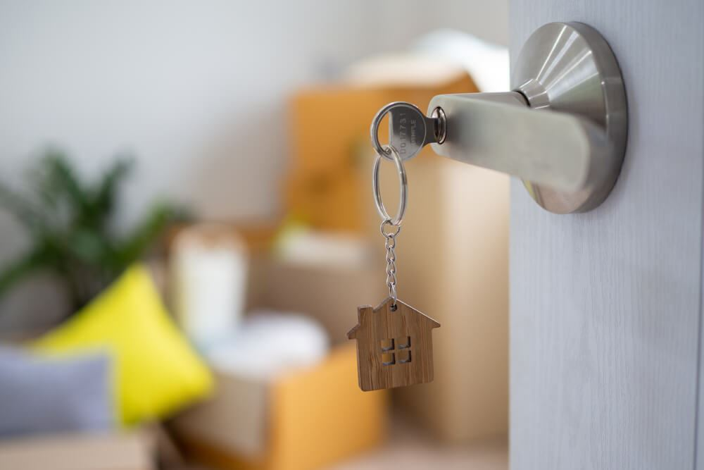 Our local locksmiths in London will be available to assist you 24/7.